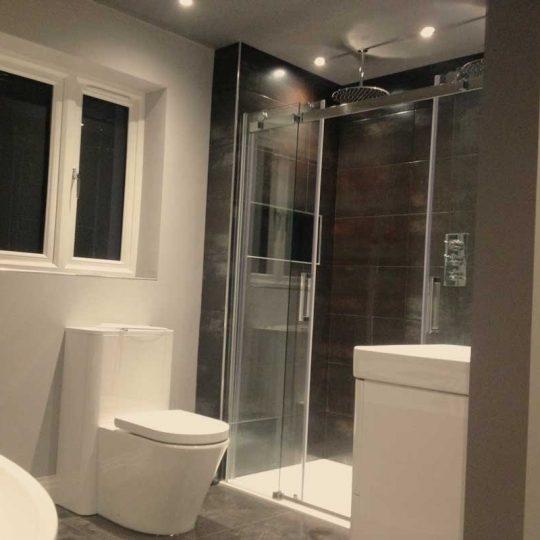 http://vbbuildersnorwich.com/wp-content/uploads/2016/07/four-bedroom-house-refurbish-48-540x540.jpg