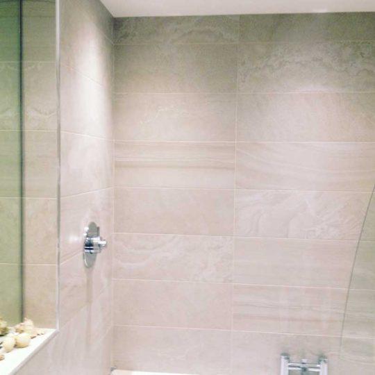 http://vbbuildersnorwich.com/wp-content/uploads/2016/07/four-bedroom-house-refurbish-69-540x540.jpg